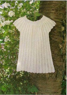Ravelry: Lille pigekjole i hulmønster pattern by Rachel Søgaard Sweater Knitting Patterns, Knit Patterns, Knitting For Kids, Free Knitting, Crochet Baby, Knit Crochet, Baby Barn, Baby Shawl, Knit Baby Dress