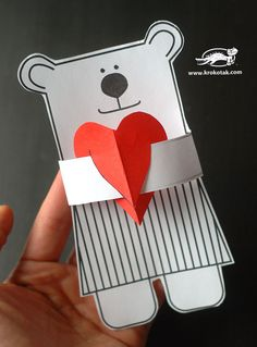 Creative project for Valentine's Day - Instants Papiers - Diy Valentines Cards, Valentine Crafts, Diy For Kids, Crafts For Kids, Cadeau St Valentin, Love Bear, Saint Valentine, Origami Art, Toddler Crafts