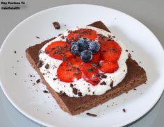 Hoy Cocinas Tú: Pastel fitness de chocolate con frutos rojos  | Gastronomía & Cía