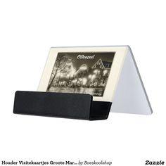 Houder Visitekaartjes met een avondfoto van de Groote Markt in Oldenzaal. Met de mogelijkheid om tekst te verwijderen c.q. aan te passen dan wel eigen logo toe te voegen.