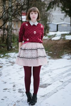 Outfit: skull sweater & lace dress |