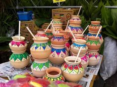ideas for pot decoration. latest pongal clay pot designs for thai pongal festival 2013 in bharatmoms. ideas for pot… Kalash Decoration, Diya Decoration Ideas, Decor Ideas, Pottery Painting Designs, Pottery Designs, Painted Flower Pots, Painted Pots, Bottle Painting, Bottle Art