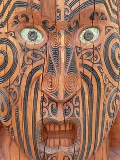 these highly detailed wood carvings have more or less spiritual meanings . they are undoubtedly made with real craftsmanship . just like many other Maori art forms they were used as vessels to pass on tribal history Wood Carving Art, Bone Carving, Wood Carvings, Maori People, Maori Designs, Nz Art, Maori Art, Wooden Art, Ocean Art