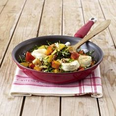 Kartoffel-Kürbis-Pfanne mit Ziegenkäse Rezept | LECKER