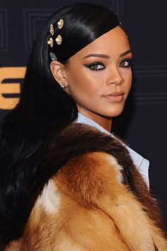 The 20 best beauty moments of 2016: Rihanna's hair accessories and winged liner
