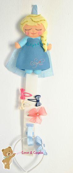 Felt Elza doll clip and headband organizer Organizador de pinzas de pelo y diademas