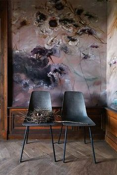 painted mural of dark flowers in the home of French artist Claire Basler, from Inside Out Magazine via Poppytalk Frame Floral, Floral Wall, Art Floral, Dark Flowers, Of Wallpaper, French Artists, Wall Treatments, Decoration, Wall Murals