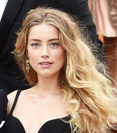 Amber Heard's soft and romantic makeup look