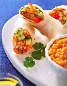 Fresh Spring rolls, vegetarian and gluten free with rice wraps - these look amazing!
