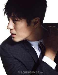 03 So Ji Sub's Interior Spreads From The June 2015 Issue Of Esquire Korea