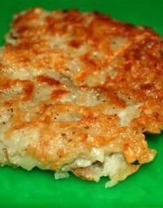 Emily's Famous Hash Browns to try for C. Potato Recipes, Veggie Recipes, Great Recipes, Favorite Recipes, Easy Recipes, Breakfast Items, Breakfast For Dinner, Breakfast Recipes, Potato Side Dishes