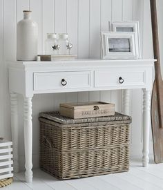 White console table. New England furniture for hallways and living room. Ideas on furnishing and decorating