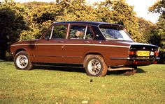 Remember this British Leyland colour? Might just about pass on an Allegro, Maxi or Marina, but why paint one of their best cars of the time, the Triumph Dolomite Sprint, in it? Classic Motors, Classic Cars, Old Bangers, Morris Minor, Commercial Vehicle, Small Cars, Retro Cars, Old Cars, Motor Car