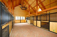 Stable Style: Eads Barn | Horses & Heels