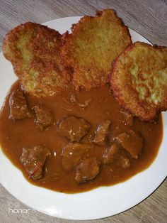 Czech Recipes, Ethnic Recipes, Beef, Food, Red Peppers, Meat, Essen, Meals, Yemek