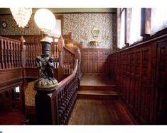 35 Amazing Victorian Farmhouse Design Ideas Best To Copy Now Victorian Interiors, Victorian Decor, Victorian Architecture, Vintage Interiors, Victorian Homes, House Interiors, Victorian Era, Victorian Stairs, Historic Architecture