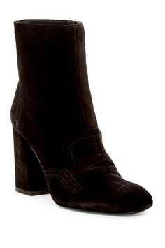 33d2d6dfd121 Find stylish women s booties at up to off top brands at Nordstrom Rack.