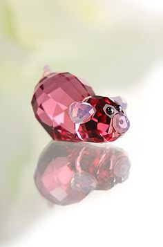 Swarovski Lovlots Piggy Sue . . . she is no ordinary pig -  she is trying to learn to fly!