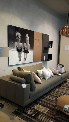 nieuwe wandpanelen van dockfour naar eigen inzicht samen te stellen. Deze panelen hangen bij de dotshop op de van woustraat, Amsterdam
