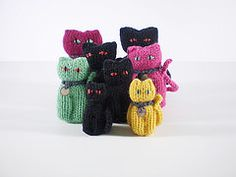 Ravelry: Lucky Cats pattern by Frankie Brown; free