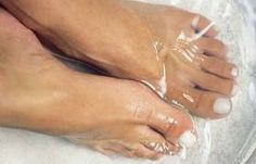 A Mum 'n the Oven  Did you know soaking your feet in vinegar (especially apple cider vinegar) soothes and cleans tired, sore and dry feet...and even rids them of fungus! If you DO have nail fungus, applying Vicks Vaporub to the affected nails twice daily has also been proven to work.