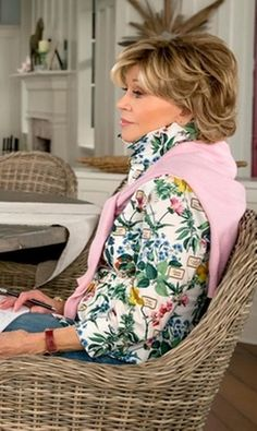 Jane Fonda with MSGM Floral Shirt in Grace and Frankie