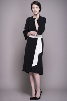 Black Silk Dress With White Belt click for more information Black Silk Dress, White Belt, Dresses For Work, Collection, Style, Fashion, Moda, Stylus, Fasion