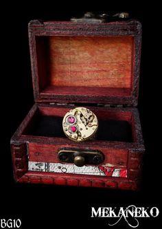 Bague steampunk mécanisme de montre à gousset avec strass du célèbre cristal autrichien fuchsia