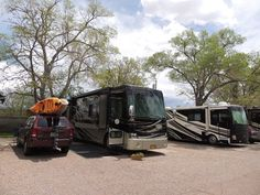 Had a great stay at Trailer Ranch RV Resort in Santa Fe, NM. Close to area attractions and right around the corner from groceries, gas and anything else you need. Also right on the bus route to old town.