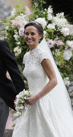 Pippa Middleton y la Duquesa de Cambridge, dos recogidos regios para un día muy especial