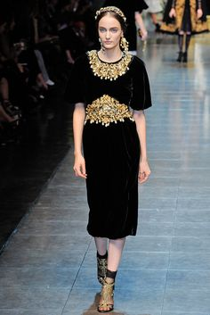 Dolce & Gabbana Fall 2012 Ready-to-Wear Collection Photos - Vogue