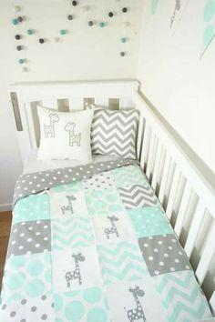 Patchwork quilt nursery set - Mint and grey giraffes (Mint minky quilt backing) Quilt Baby, Baby Patchwork Quilt, Cot Quilt, Baby Boy Rooms, Baby Boy Nurseries, Baby Cribs, Grey Nurseries, Giraffe Nursery, Nursery Room