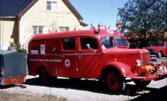 Gamle lastebiler - Røde Kors
