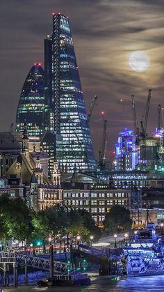 Znalezione obrazy dla zapytania londyn nocą