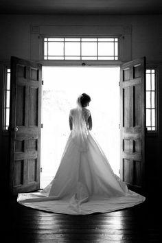 gorgeous train | Candace Nelson #wedding