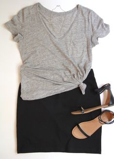 10 Ways To Wear A Black Skirt Casual Outfit casual skirt outfits Black Skirt Casual, Black Pencil Skirt Outfit, Black Skirt Outfits, Casual Skirts, Black Denim Skirt Outfit Summer, Summer Outfit, Fashion Models, Work Fashion, Skirt Fashion