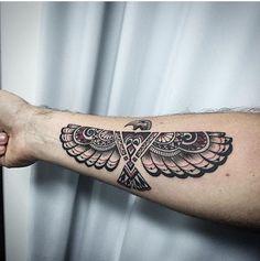Tatuagem águia braço antebraço