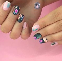Semi-permanent varnish, false nails, patches: which manicure to choose? - My Nails Flower Nail Designs, Colorful Nail Designs, Nail Designs Spring, Beautiful Nail Designs, Cool Nail Designs, Floral Designs, Mauve Nails, Pastel Nails, Acrylic Nails