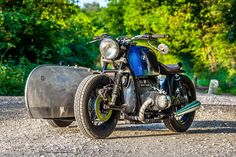 Bmw #bratstyle and sidecar #motorcycles #motos | caferacerpasion.com