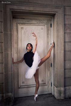 Dancer - Jeraldine Mendoza. Location - The Legion of Honor. San Francisco, California. www.BalletZaida.com © 2012 Oliver Endahl