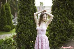 Всем Доброго времени суток) Надеюсь, я еще не надоела своими постами, но пока продолжу выкладывать свои платья)) Это платье я связала еще в прошлом году летом.
