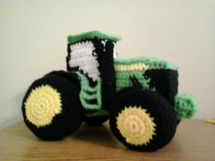 JOHN DEERE TRACTOR This is a pattern for a John Deere Tractor.  This is not an easy item to make.  It has many pieces.  Unless you are a...