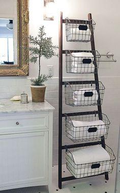 DIY : Créez des meubles de rangement avec une échelle et des paniers