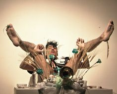 Lechedevirgen Trimegisto ha recibido aplausos, insultos y hasta llantos en sus presentaciones. Su obra incluye desnudos explícitos, magia popular, teatro, alquímia, arte extremo y más. Link: http://strambotix.com/lechedevirgen-trimegisto-el-chivo-expiatorio/