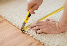 How to Determine the Cost of Carpet Installation in New York When your carpet i. How to Determine the Cost of Carpet Installation in New York When your carpet is discolored, comin How To Cut Carpet, How To Patch Carpet, Cost Of Carpet, Wall Carpet, Diy Carpet, Carpet Flooring, Carpet Ideas, Sisal Carpet, Flooring Store