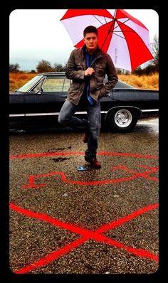 Supernatural: Dean behind the scene