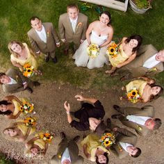 Love this Photo Idea of the Bridal Party!