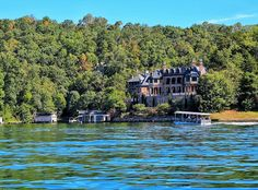 2 Days in Lake Lure, NC: The Real Life Resort Town Where Dirty Dancing was Filmed Fort Bragg North Carolina, Lake Lure North Carolina, South Carolina, Lakes In Nc, Southern Heritage, Dirty Dancing, Beautiful Places To Travel, Romantic Getaways, Travel Memories