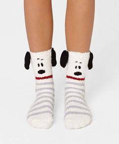 Snoopy socks!   #socute #snoopy #dogs #socks #happysocks Silly Socks, Dog Socks, Crazy Socks, Cute Socks, Kids Socks, Happy Socks, Fleece Socks, Fluffy Socks, Snoopy