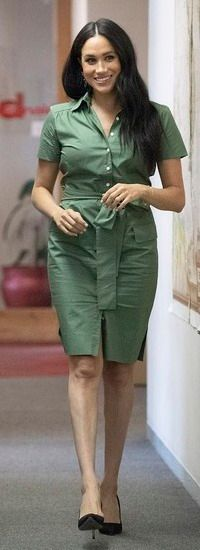 Yesterday in Johannesburg, the Duchess opted for a khaki shirt dress by new ethical brand Room as she arrived at Action Aid to take part in a discussion about violence. Khaki Shirt Dress, Royal Life, Uk Homes, Ethical Brands, Prince Harry And Meghan, Meghan Markle, Duke And Duchess, Archie, British Royals